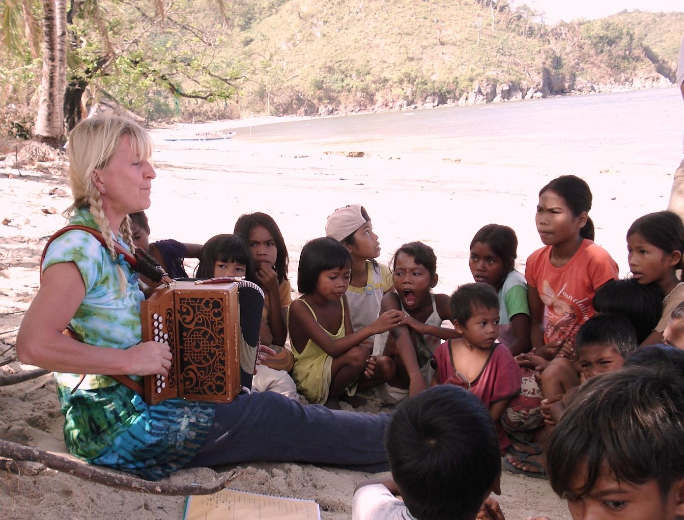 0002 philipini collectie 2005 bahai kubo (j (1)